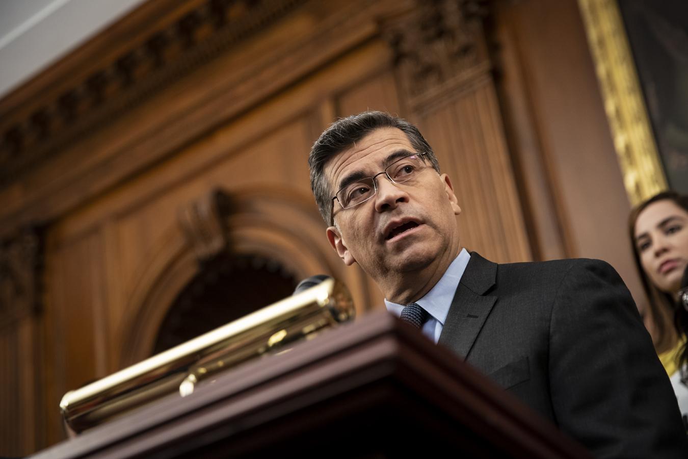 """Fiscal general de California: los jueces deben ver que ACA es """"indispensable"""""""