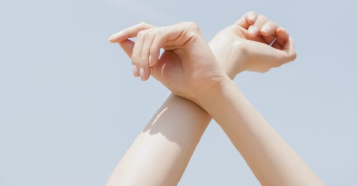 Wrist Stretches and Hand Stretches You Can Do Anywhere